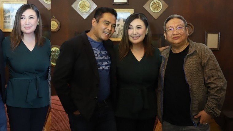 (Right Photo): Sharon (center) with John Arcilla (who plays her husband in Kuwaresma), and Kuwaresma director Erik Matti.