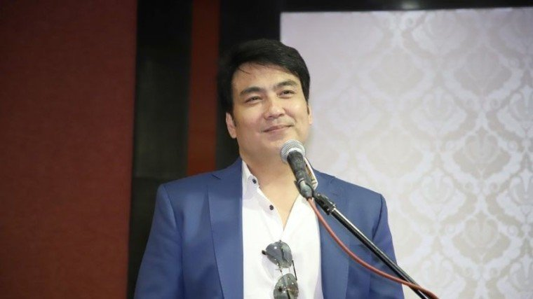 Netizens did not take kindly to Bong Revilla's showbiz comeback, including a rumored guest appearance in the drama series The Gift starring Alden Richards! Know more by scrolling down below!