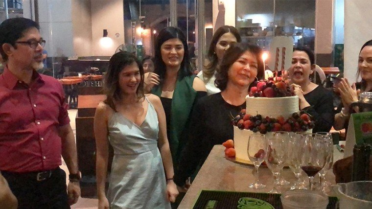 (L-R) the celebrant's husband Christopher de Leon, youngest daughter Mica, Sandy's party-planner daughter Mariel, the birthday girl, Sandy's sister-in-law Toni Abad (behind her), Lotlot and Matet de Leon.