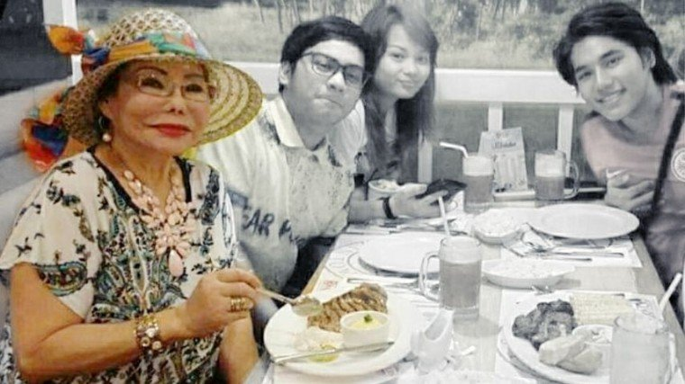 Celebrity fortune teller and actress Madam Auring has passed away, according to her grandson who announced the sad news on Facebook.