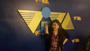 Marissa Sanchez signs with Viva anew