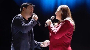 Sharon Cuneta and Gabby Concepcion duet reunion draws cheers from MOA crowd
