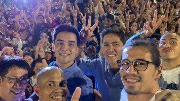 Family, friends congratulate new Pasig mayor Vico Sotto