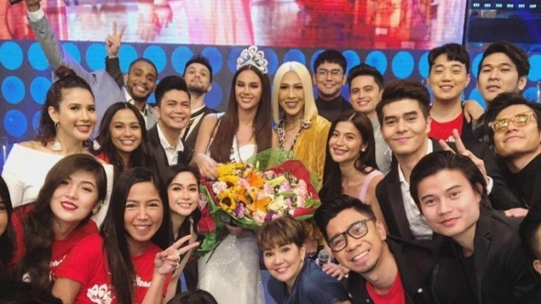 Catriona Gray gets royal welcome from ABS-CBN