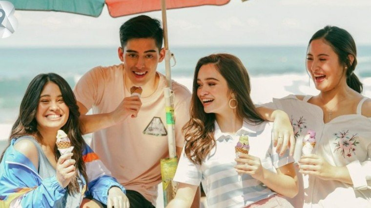 Leila, Angelina, and Magui enjoyed sorbetes in La Union with fellow Benchsetter Bryce Dyer.