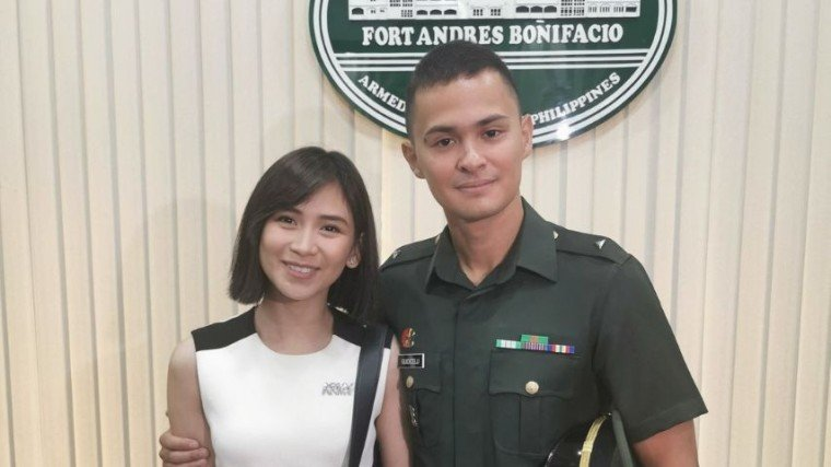 Sarah Geronimo is one super proud girlfriend to Matteo Guidicelli who achieved the title of 2nd Lieutenant to the Philippine Army!