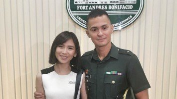 Sarah Geronimo attends Matteo Guidicelli's oath-taking as 2nd lieutenant of Philippine Army