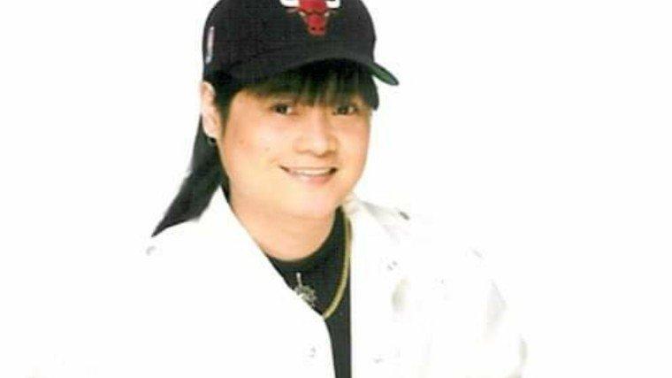 """'Di Ko Kayang Tanggapin"" singer April Boy Regino has passed away at the age of 51."