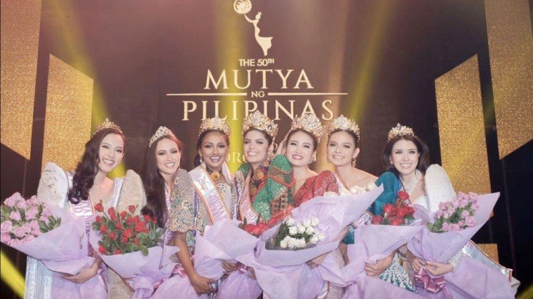 "The Mutya ng Pilipinas 2018 winners (left to right): -Kristine Malicsi, Mutya ng Pilipinas 2nd Runner-up (Navotas);  -Jade Roberts, Mutya ng Pilipinas Overseas Communities (Australia);  -Kheshapornam Ramachandran, Mutya ng Pilipinas Tourism Queen of the Year International (Iloilo); -Sharifa Areef Mohamma Omar Akeel, Mutya ng Pilipinas Asia Pacific International (Sultan Kudarat);  -Julieane ""Aya"" Fernandez, Mutya ng Pilipinas Tourism International (Taguig);  -Pauline Amelinckx, Mutya ng Pilipinas Global Beauty (Bohol); -Mary Justine Teng, Mutya ng Pilipinas 2nd runner up (Muntinlupa)"