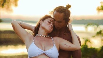 Andi Eigenmann posts sweet maternity photo with boyfriend Philmar Alipayo