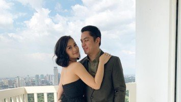 "Maja Salvador goes ""Facebook official"" with Rambo Nuñez"