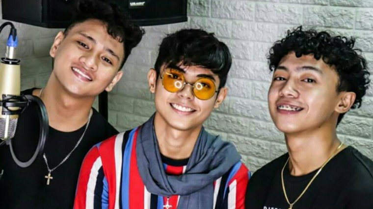 Get to know Viva Records' newest trio: JThree!