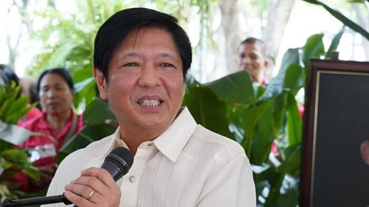 Conflicting statements arise as Bongbong Marcos says he has yet to see the result of an unnamed test while his wife says the entire family is tested negative for COVID-19! Know the full story by scrolling down below!