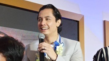 """JC Santos expresses excitement over fatherhood; considers forthcoming baby as his """"suwerte."""""""