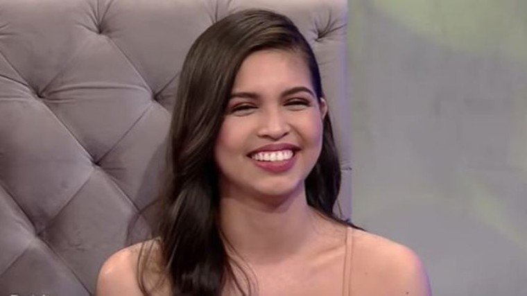 Maine Mendoza sparks kilig at the studio of Tonight With Boy Abunda after answering a question about rumored boyfriend Arjo Atayde.