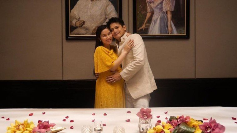 Mariel Padilla gets a surprise dinner date from her husband Robin Padilla as a celebration of their ninth anniversary.