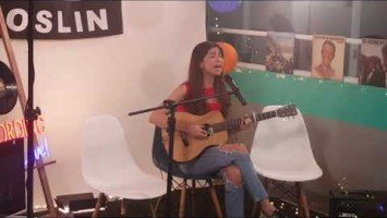 "Janine Teñoso performs ""Di Na Muli"" at VIVA HQ listening party"