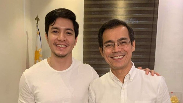 Alden Richards pays a call on Manila Mayor Isko Moreno with other Kapuso stars.