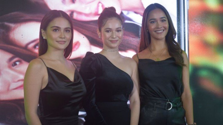 The stars of iWant's newest offering, You Have Arrived, spoke about the pros and cons of social media usage! Get to know the pieces of Elisse Joson, Barbie Imperial, and Arielle Roces by scrolling down below!